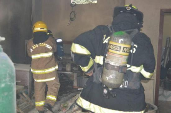 Incendio destruye una casa
