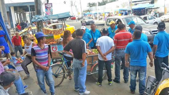 Comerciantes de Manta piden controlar a informales