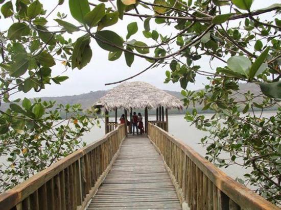 Siguen esperando el arreglo de sendero Isla Corazón y Fragatas