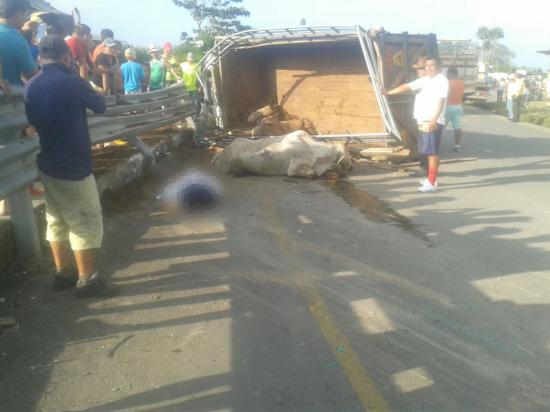 Dos muertos y dos heridos tras accidente en el paso lateral de El Carmen