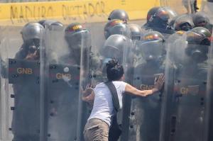Gobierno de Bolivia niega haber enviado militares a Venezuela para represión