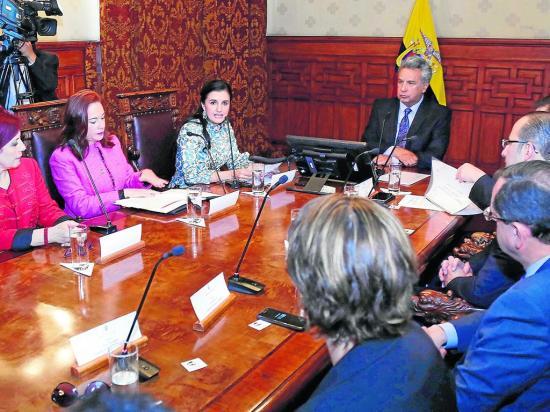 """Moreno: """"no hay tal mesa servida"""""""