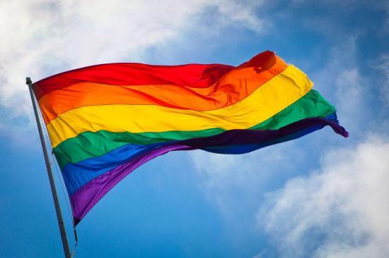 Un homosexual británico gana batalla legal para que su marido reciba pensión