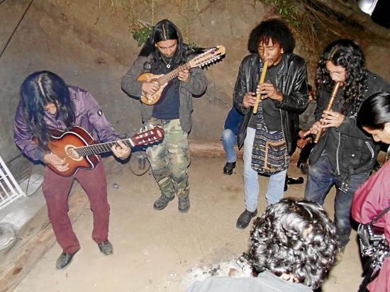 Honran al fuego con rock