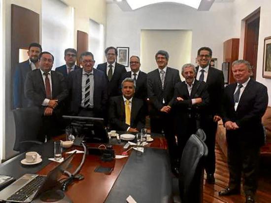 Lenín Moreno se reúne con directivos de varios medios nacionales