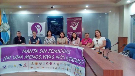"""Lanzan campaña """"Manta sin femicidio"""""""