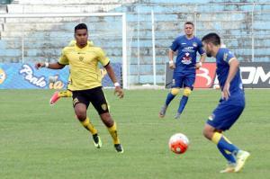 ¡TRIUNFO CETÁCEO! Delfín vence por 2-1 a Fuerza Amarilla en Machala