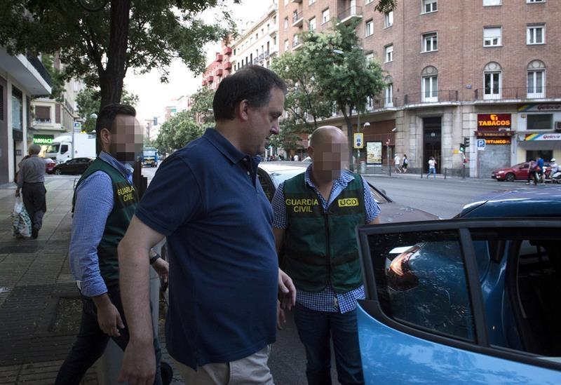 El presidente de la Federación Española de Fútbol y su hijo detenidos por corrupción