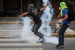 Un hombre muere quemado durante una manifestación en Venezuela