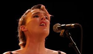 La cantante francesa Barbara Weldens muere en pleno concierto