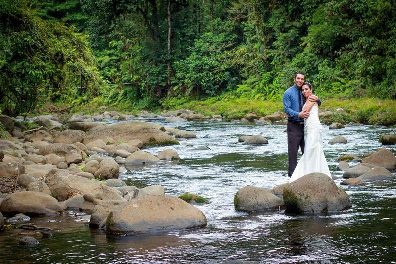 Bodas en medio del bosque tropical, una nueva tendencia en Costa Rica