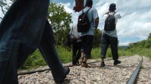 Muerte de 8 migrantes en camión en EEUU desata indignación contra traficantes
