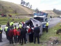 Accidente de tránsito en el cantón Colta, provincia de Chimborazo, deja un saldo de nueve personas fallecidas