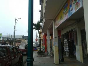 Roban en tres locales comerciales de Paján
