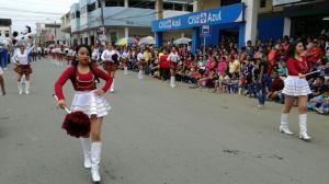 Chone celebra sus 123 años de cantonización con un colorido desfile