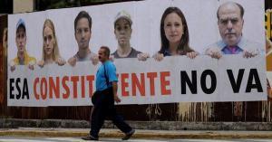 EE.UU. sanciona a 13 funcionarios venezolanos y advierte de más medidas