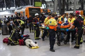 Accidente de tren deja medio centenar de heridos en Barcelona