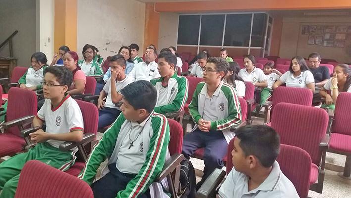 Crean comunidades  de aprendizaje