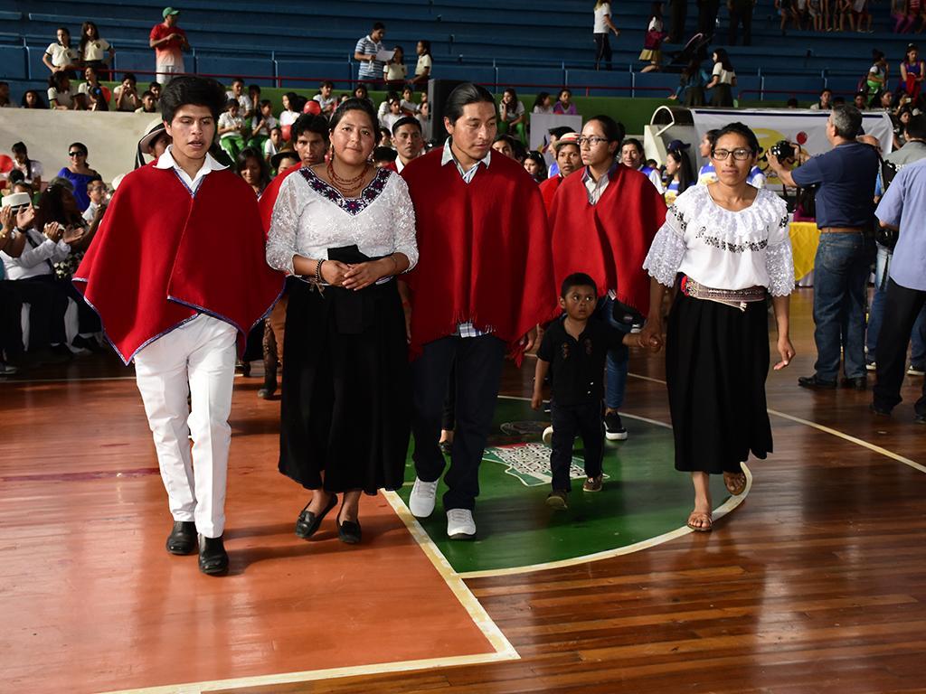 Su Forma De Vestir Los Distingue El Diario Ecuador
