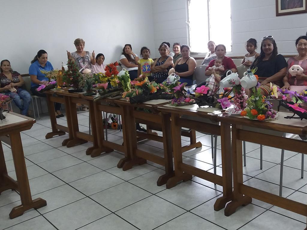 Se capacitan en talleres artesanales diario centro for Talleres artesanales