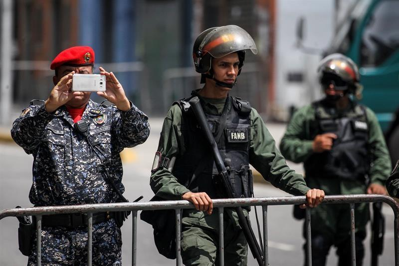 FFAA vincula a oposición venezolana con 'ataque de civiles' a unidad militar