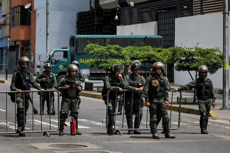 Grupo militar se subleva en norte de venezuela y es for Grupo el norte