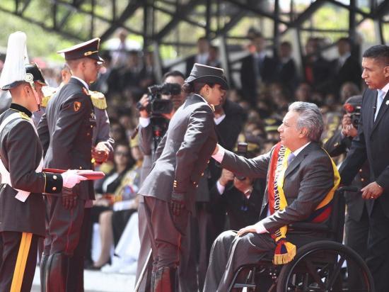 Moreno recibe el respaldo militar
