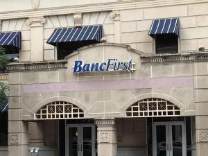FBI detiene a un joven que intentó explotar una bomba en un banco de Oklahoma