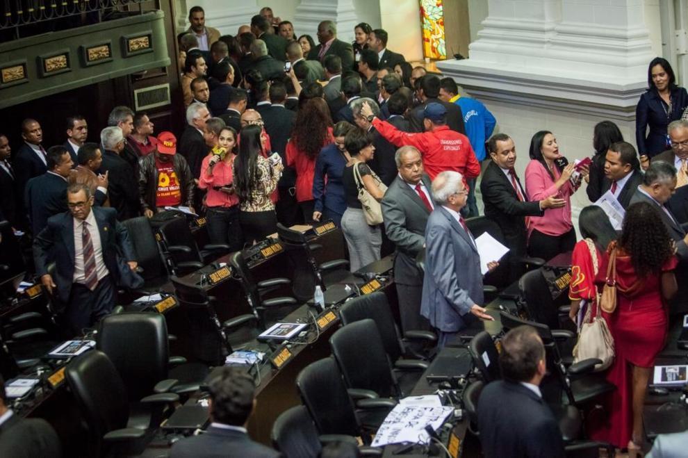 Diputados venezolanos cumplen un año sin recibir el pago de sus salarios