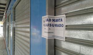 Clausuran locales del centro comercial Ecopark, en Manta