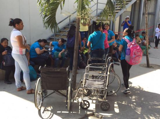 Estudiantes de un instituto educativo de Portoviejo intoxicados tras fumigación