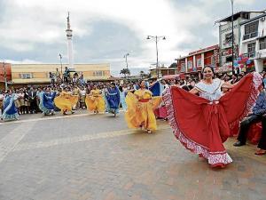 Fiesta y folclor en Jipijapa