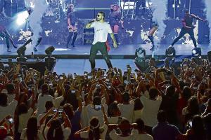 Maluma dio un concierto inolvidable en colegio de Manta