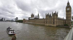 El Gobierno británico amenazó por 'error' a cien europeos con deportarlos