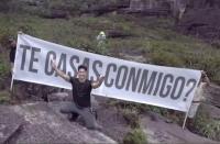 Chyno Miranda le propuso matrimonio a su novia en la cima del Salto Ángel