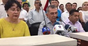 Prefecto Mariano Zambrano tilda de 'vulgares pasquines' las denuncias en su contra