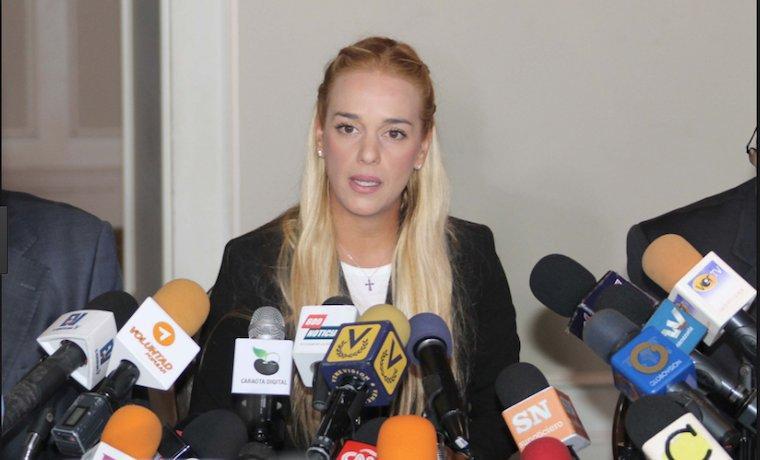 Esposa de Leopoldo López seguirá luchando por 'presos políticos y héroes caídos' en Venezuela