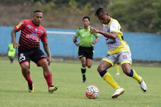Colón FC empata 1-1 con el Manta FC en Santa Ana