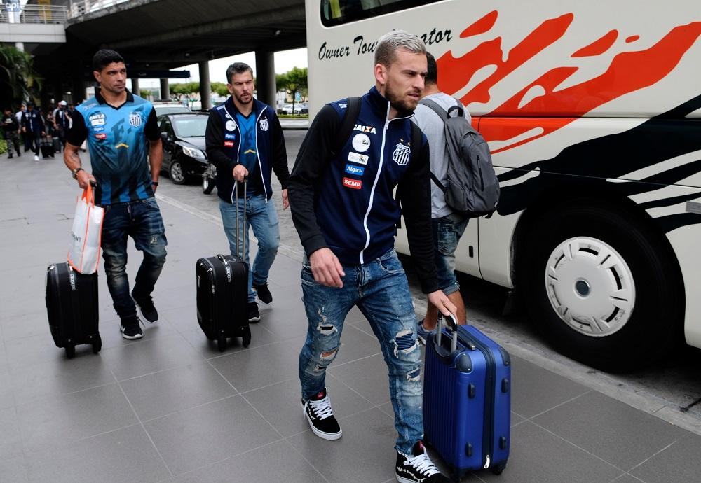 El Santos llega a Guayaquil sin Copete ni Henrique