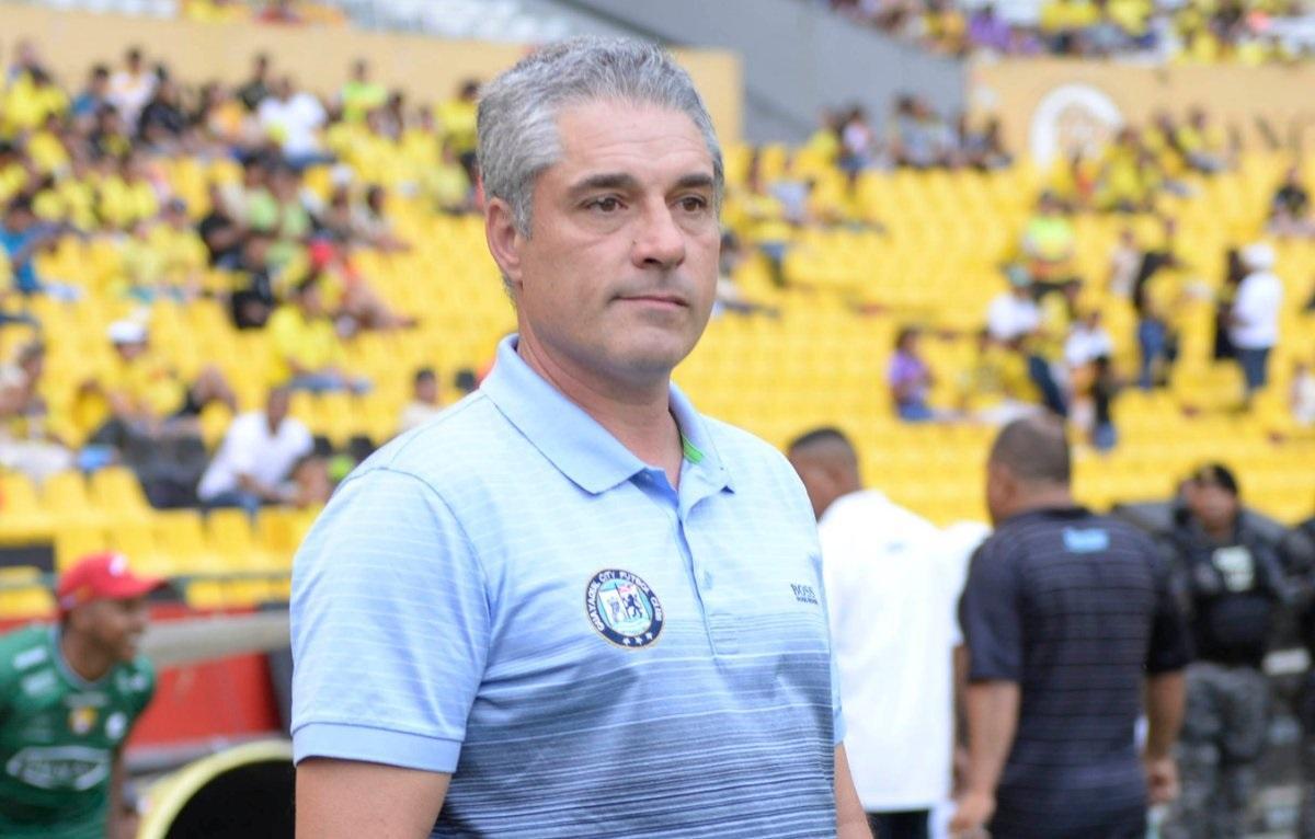 El argentino Perrone cesado de Guayaquil City por mala campaña