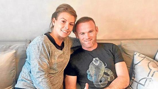 La mujer de Wayne Rooney le ha pedido que abandone el fútbol por un tiempo