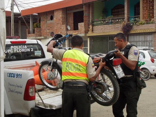 Hombre es detenido por agredir a un policía en la ciudadela Las Orquídeas