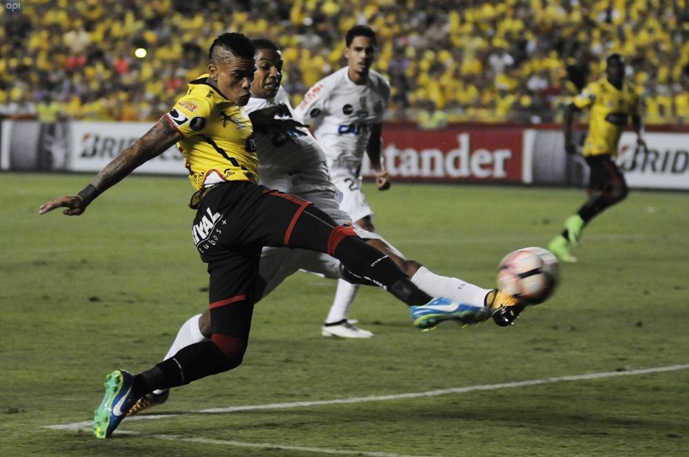 Barcelona SC y Santos de Brasil empatan 1-1 en la ida de los cuartos de final