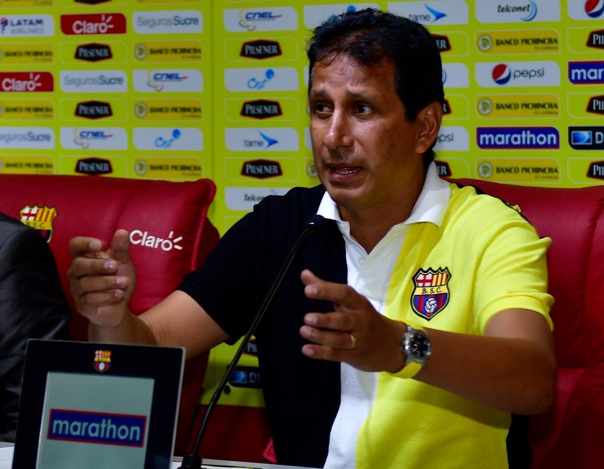 José F. Cevallos: 'No bajaremos los brazos, aún faltan 90 minutos por jugar'
