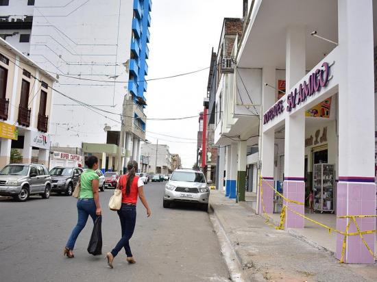 300 locales ya estarían abiertos en la ex zona cero de Portoviejo
