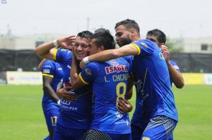 Delfín vence a Independiente del Valle con doblete de Carlos Garcés