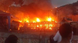 Incendio en la parroquia San Pablo de Portoviejo