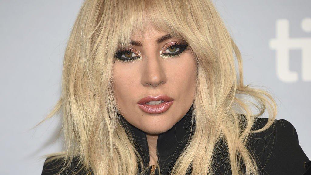 Lady Gaga pospone toda su gira europea por un dolor físico severo