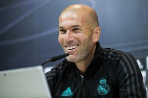 Zidane confirma que su renovación con el Real Madrid 'está hecha'