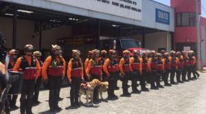 Treinta bomberos ecuatorianos listos para viajar a México para apoyar rescate